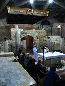 800px-4200-20080119-0624UTC--nazareth-church-of-the-annunciation-grotto